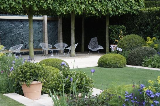 The Telegraph Garden 03
